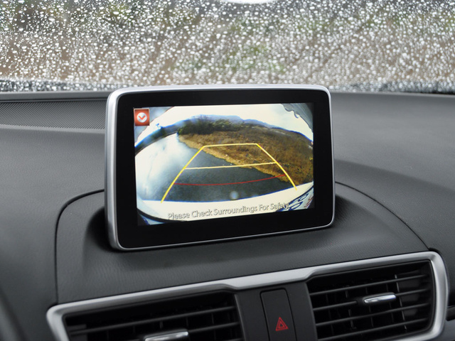 2014 Mazda MAZDA3 i Touring, 2014 Mazda 3i Touring reversing camera display, interior, gallery_worthy