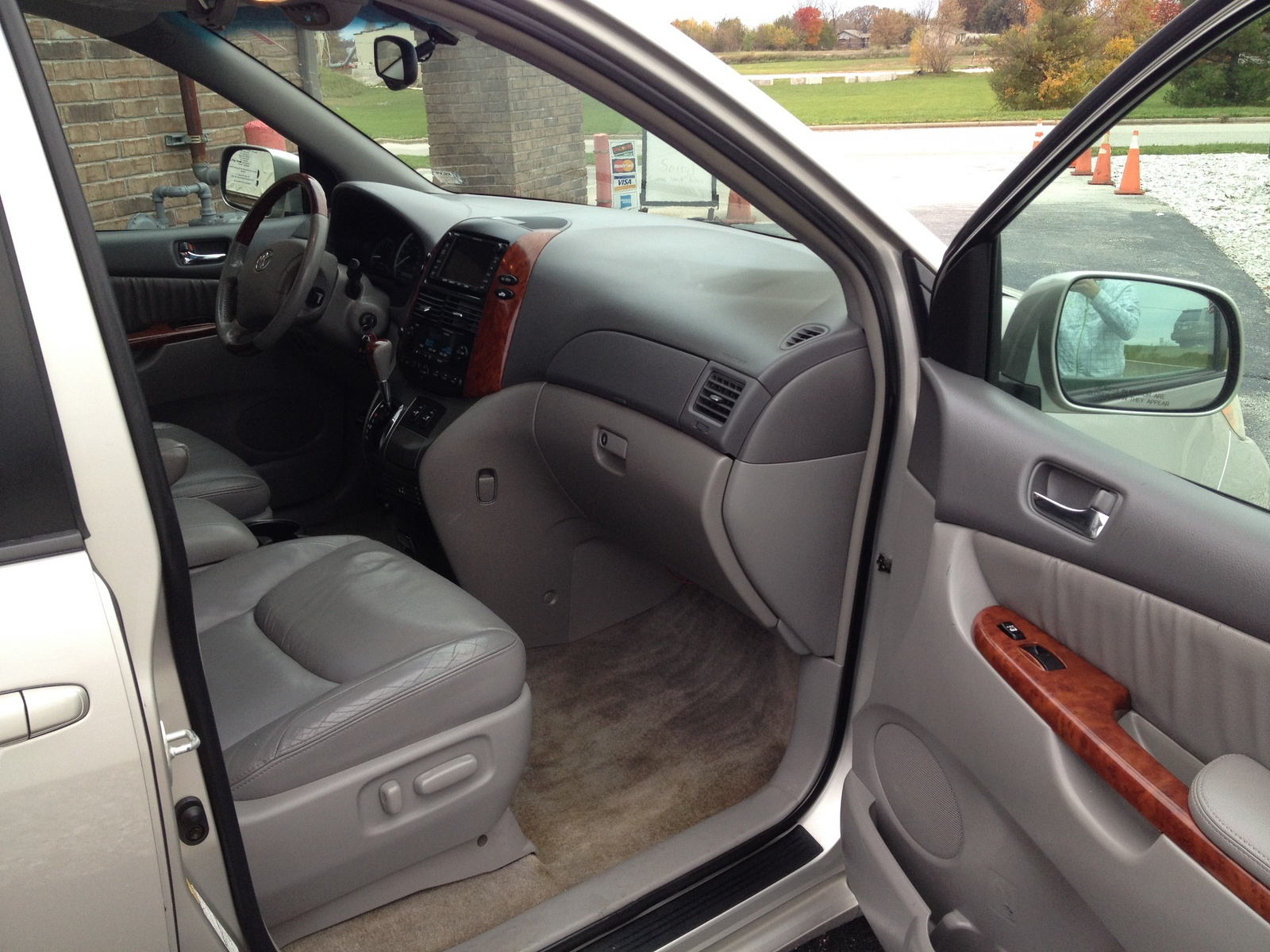 Toyota Sienna Xle Limited Awd Pic