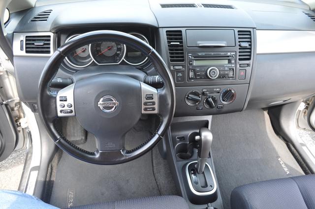 2007 Nissan Versa - Interior Pictures - CarGurus