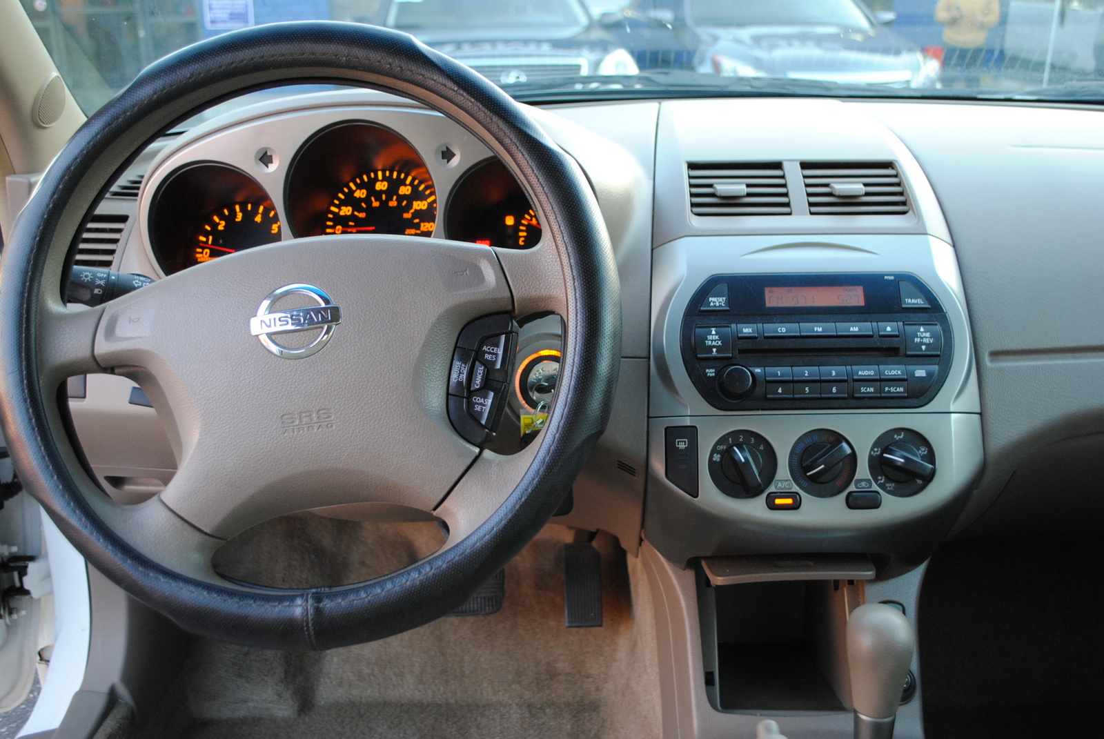 Nissan Altima 2004 Interior