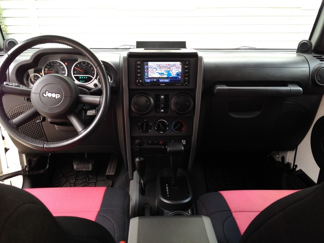 Picture of 2010 Jeep Wrangler Unlimited Rubicon 4WD, interior, gallery_worthy