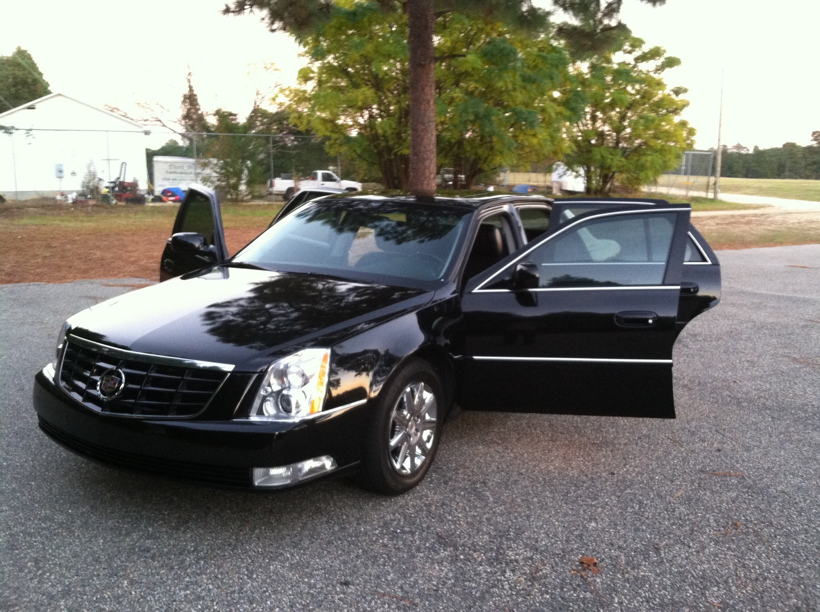 2011 cadillac dts pictures cargurus. Black Bedroom Furniture Sets. Home Design Ideas