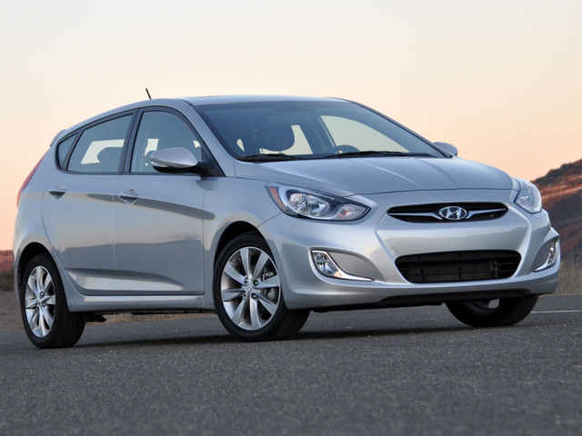 Hyundai Accent Hatchback 2017 Review >> 2013 Hyundai Accent - Overview - CarGurus
