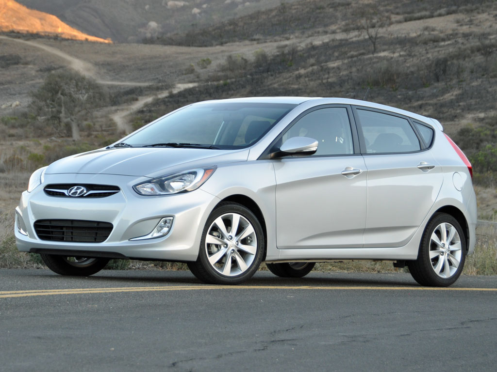 2013 hyundai accent pictures cargurus. Black Bedroom Furniture Sets. Home Design Ideas