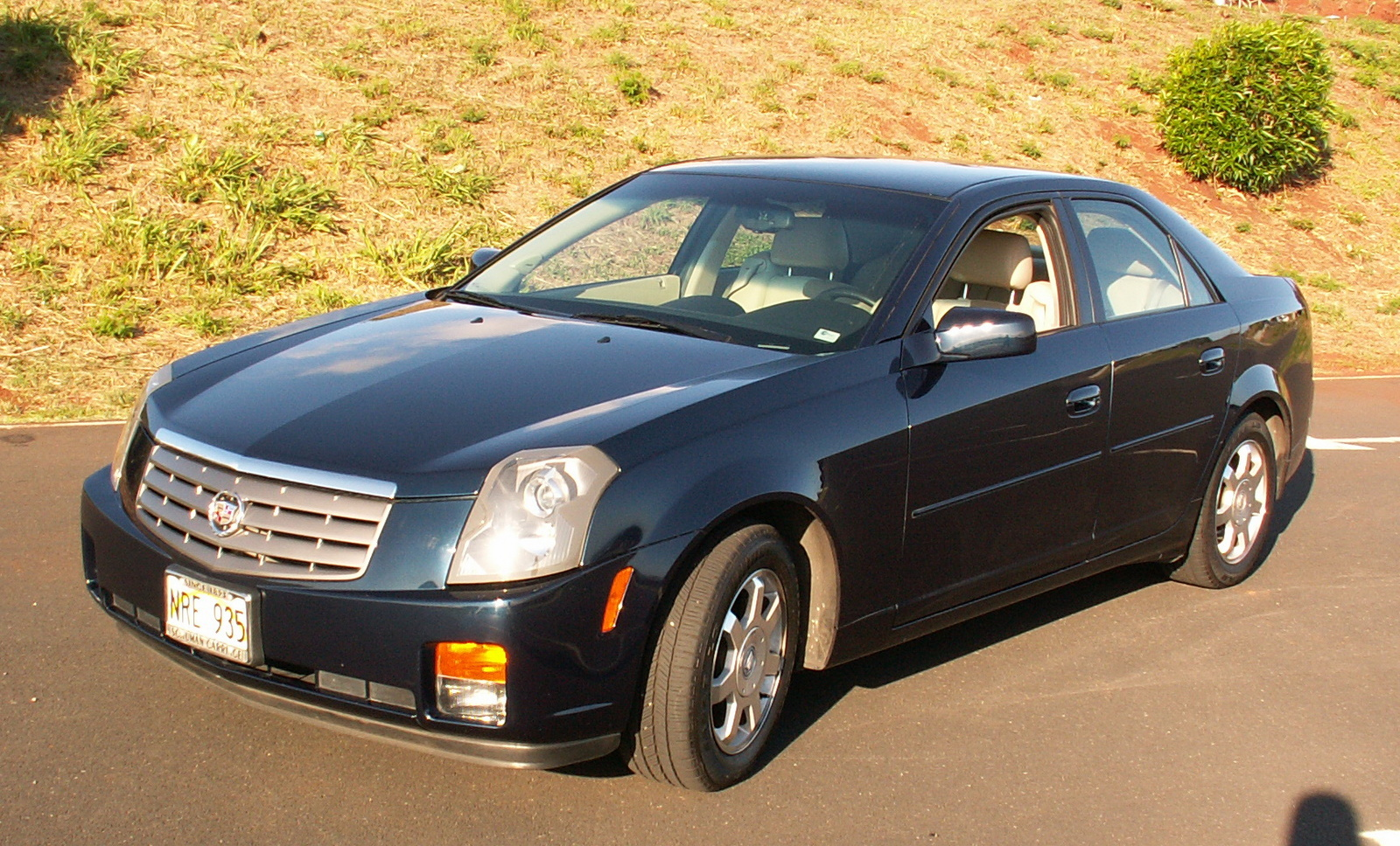 2004 cadillac cts pictures cargurus. Black Bedroom Furniture Sets. Home Design Ideas