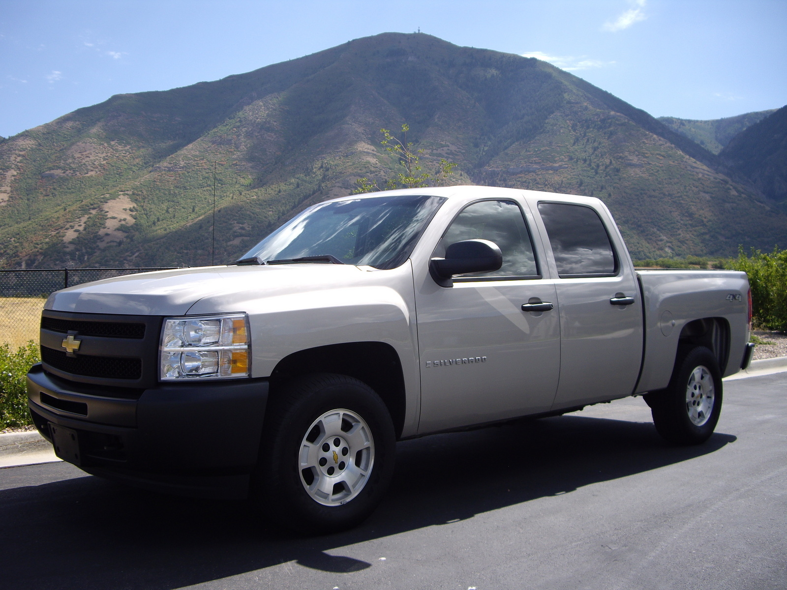 2009 chevrolet silverado prices specs reviews motor html. Black Bedroom Furniture Sets. Home Design Ideas