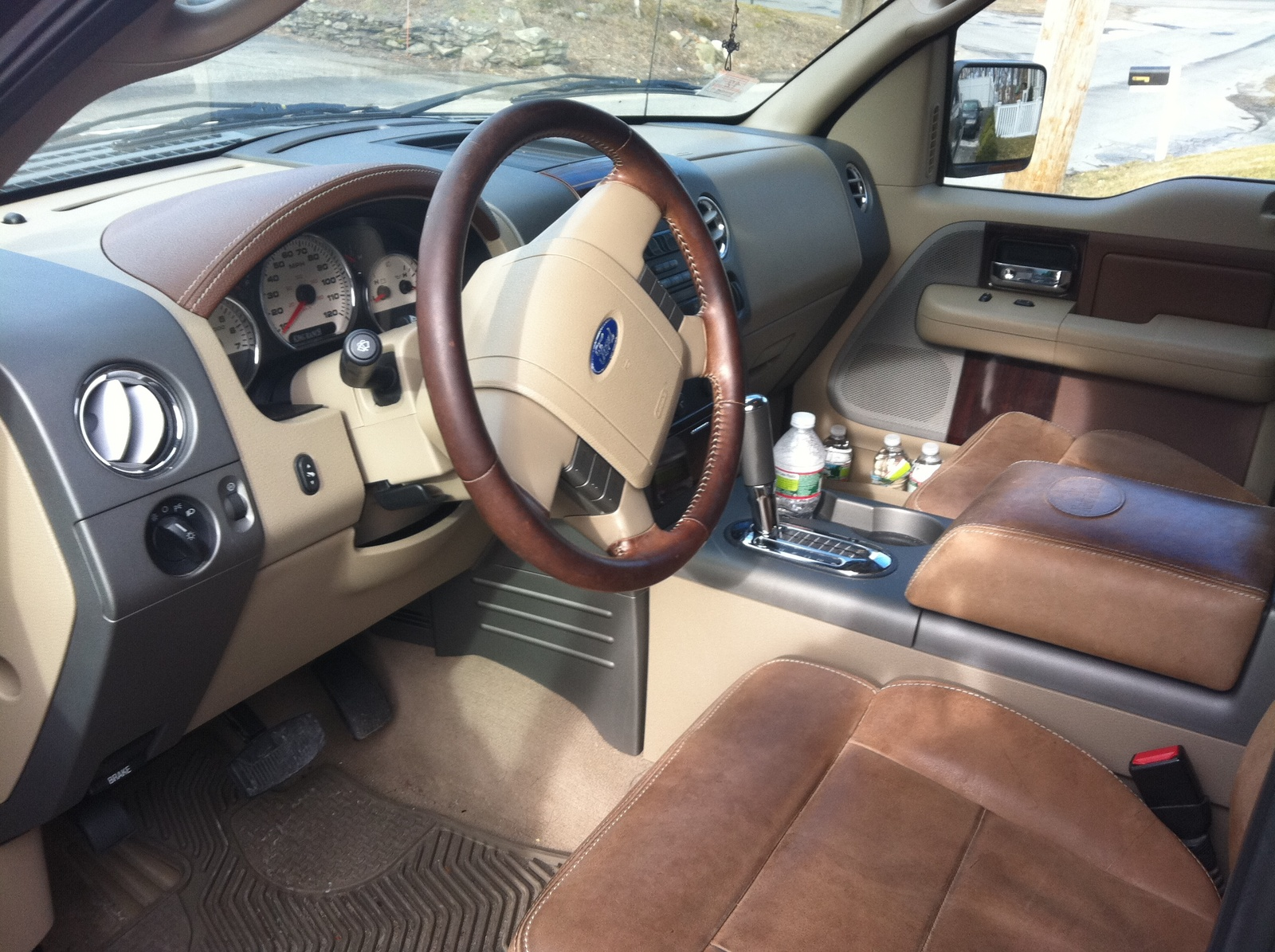 2005 Ford F150 King Ranch Interior Image