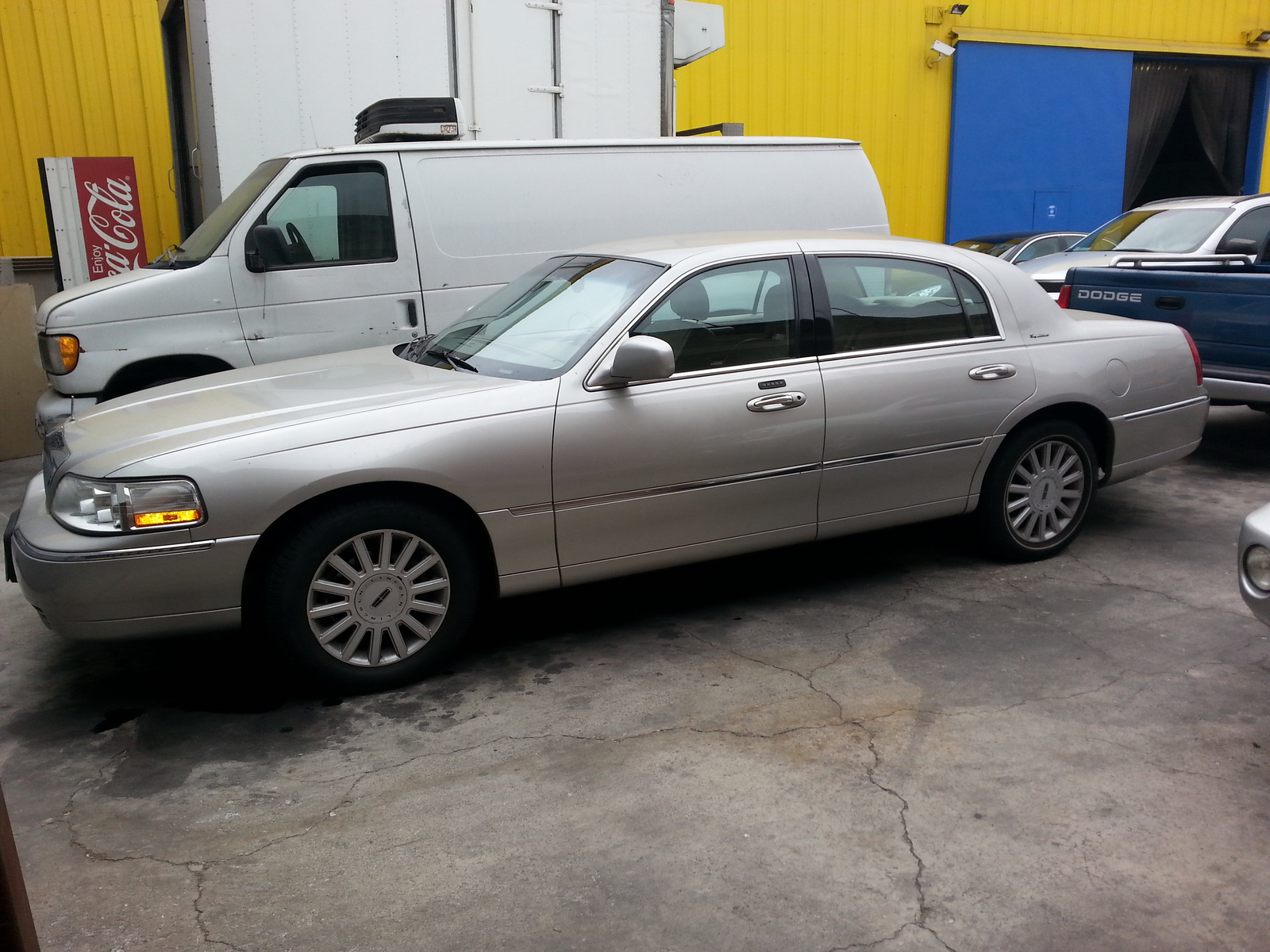 2005 lincoln town car lwb related infomation specifications weili automotive network. Black Bedroom Furniture Sets. Home Design Ideas