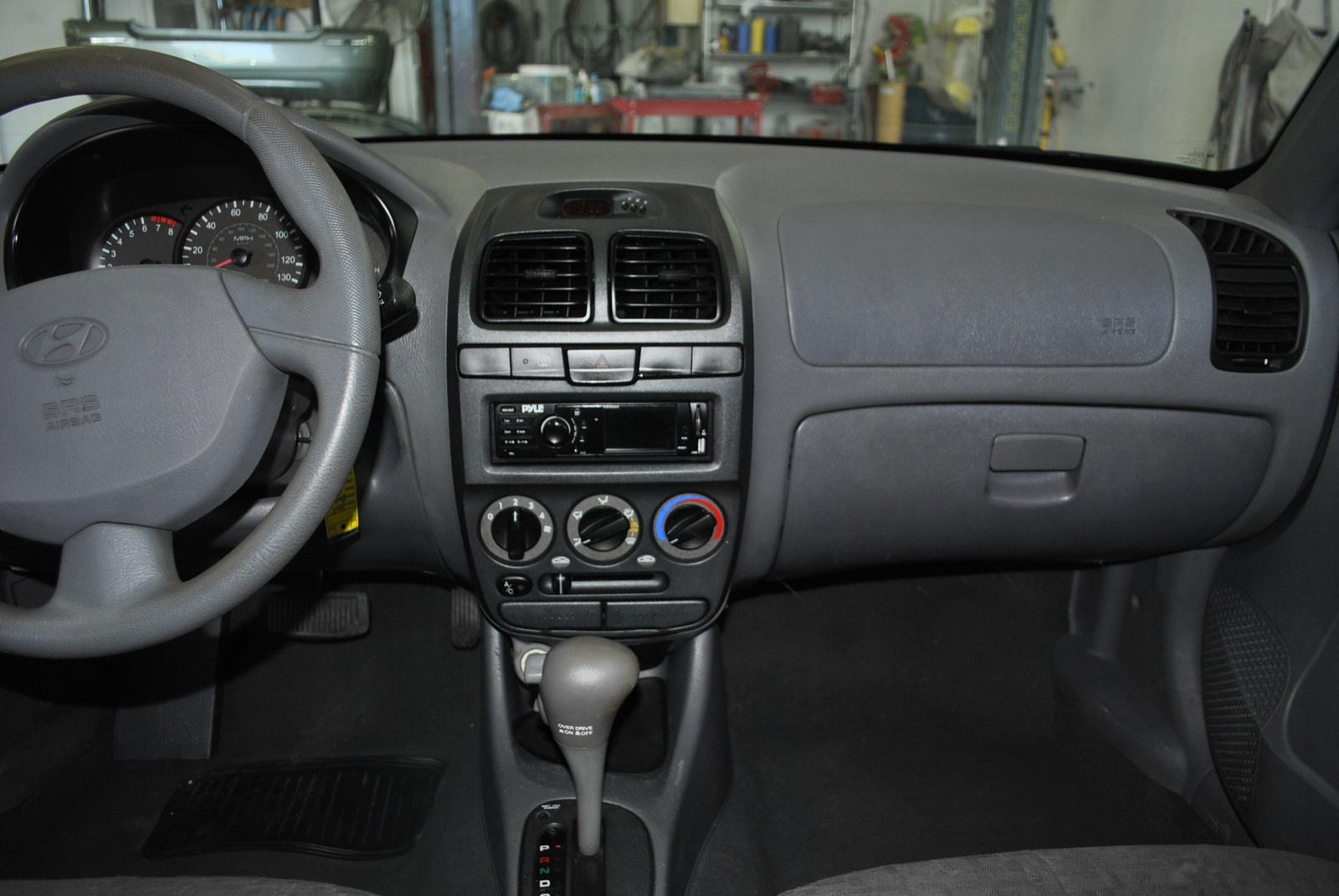 2005 Hyundai Accent Interior Pictures Cargurus