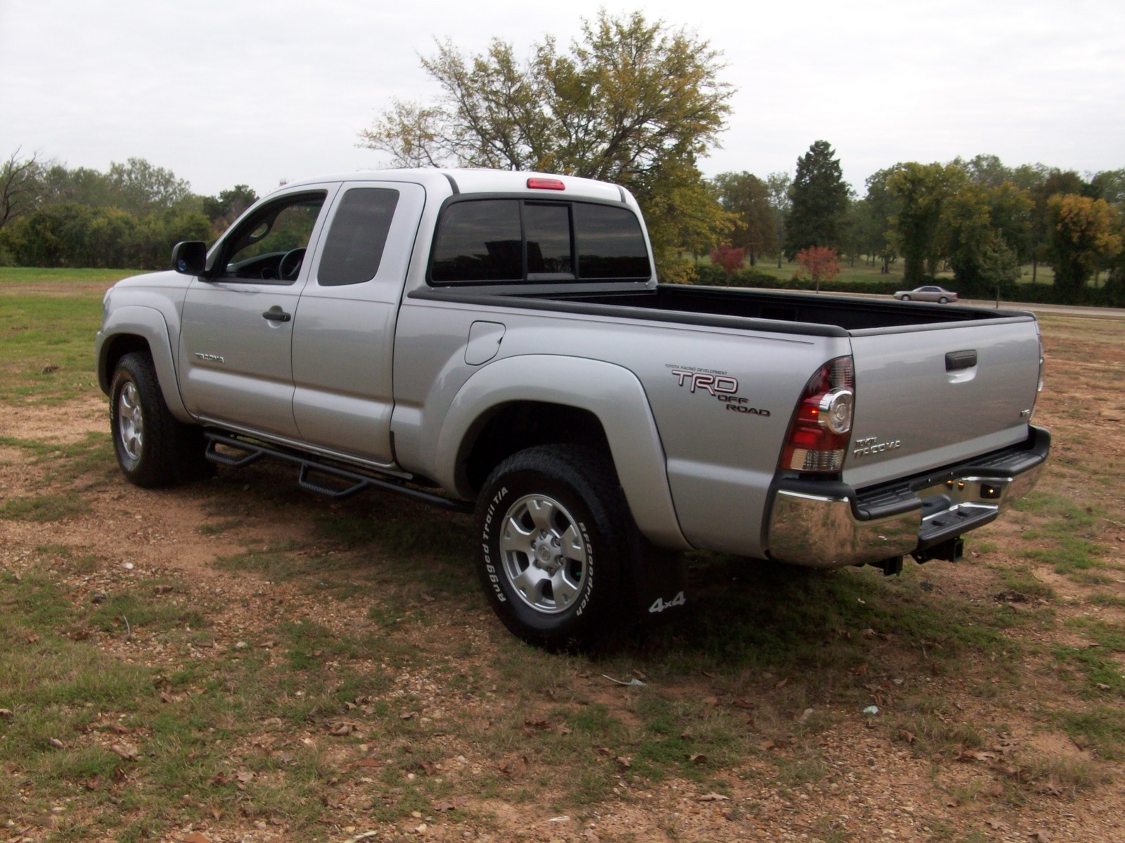 2011 toyota tacoma pictures cargurus. Black Bedroom Furniture Sets. Home Design Ideas