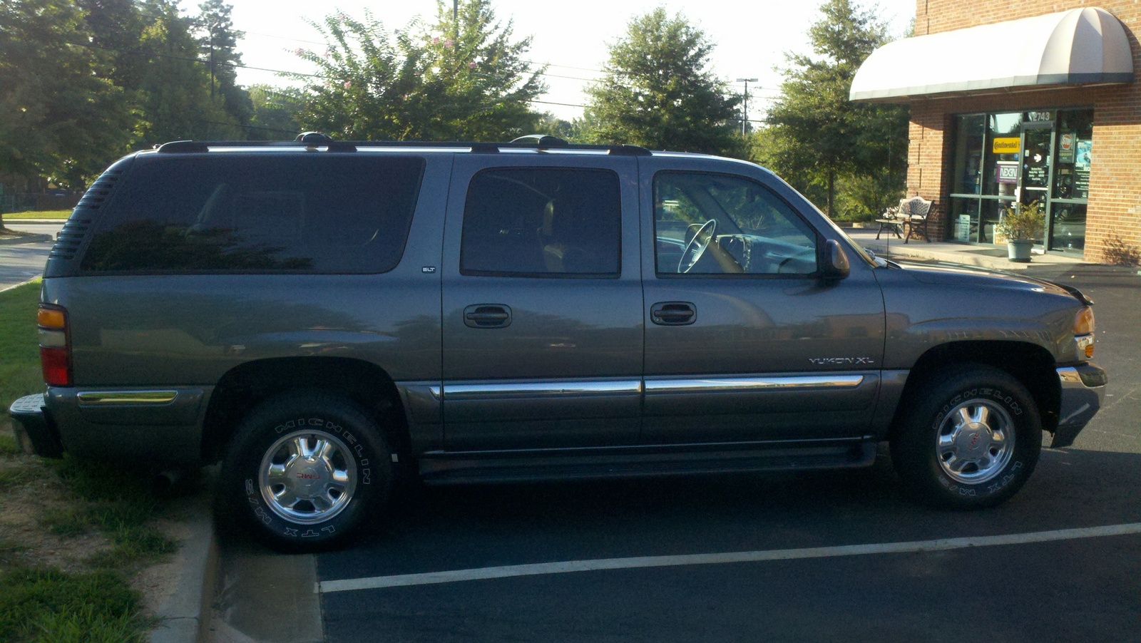 Picture of 2001 gmc yukon xl 4 dr 1500 slt suv exterior