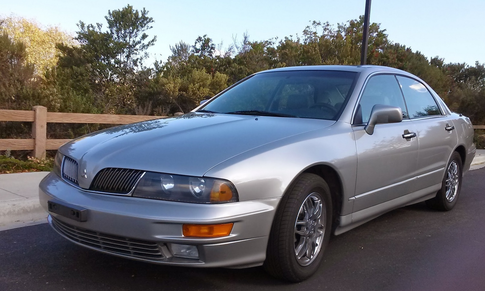 Picture of 2002 Mitsubishi Diamante 4 Dr LS Sedan