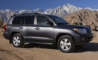 2014 Toyota Land Cruiser, Front-quarter view, exterior, manufacturer, gallery_worthy