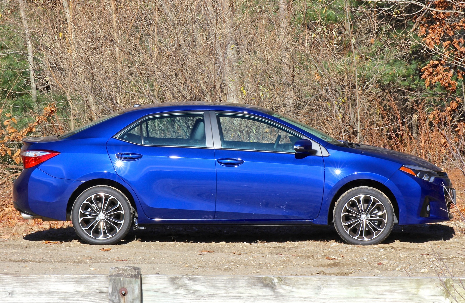Side view of the 2014 Toyota Corolla