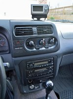 Picture of 2001 Nissan Frontier 2 Dr XE 4WD Extended Cab SB, interior