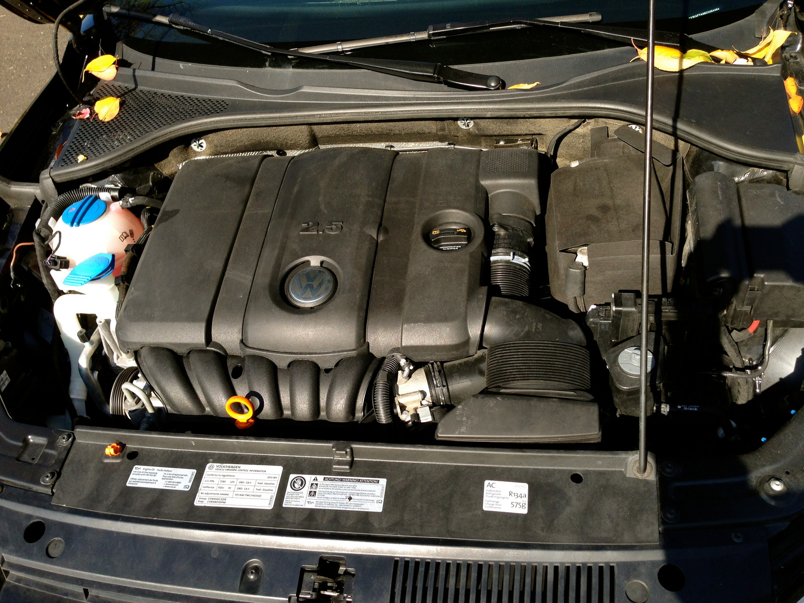 Picture of 2012 Volkswagen Passat S, engine