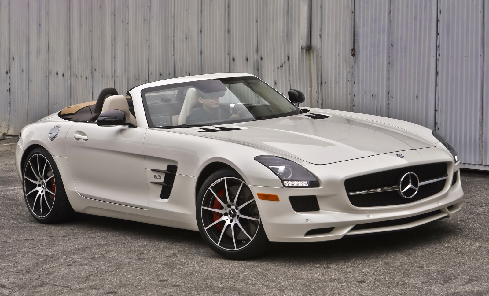 2014 mercedes benz sls class overview cargurus for Mercedes benz greenway used cars