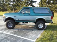 1996 Ford Bronco XLT 4WD, Late afternoon., exterior