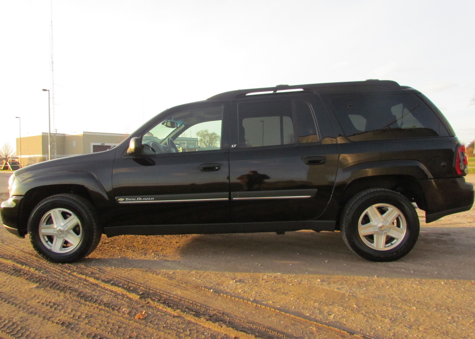 picture of 2002 chevrolet trailblazer ext ext lt 4wd. Cars Review. Best American Auto & Cars Review