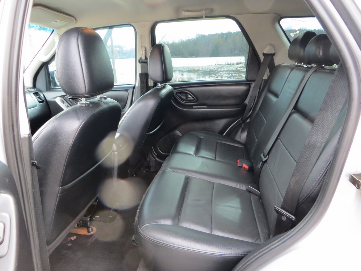 Toyota Echo Dr Std Coupe Pic X moreover Kluger Px Toyota Highlander Limited additionally Toyota Prius Dr Hb Ii Natl Steering Wheel L furthermore Highlander furthermore Toyota Rav Limited V Pic X. on 2001 toyota highlander interior
