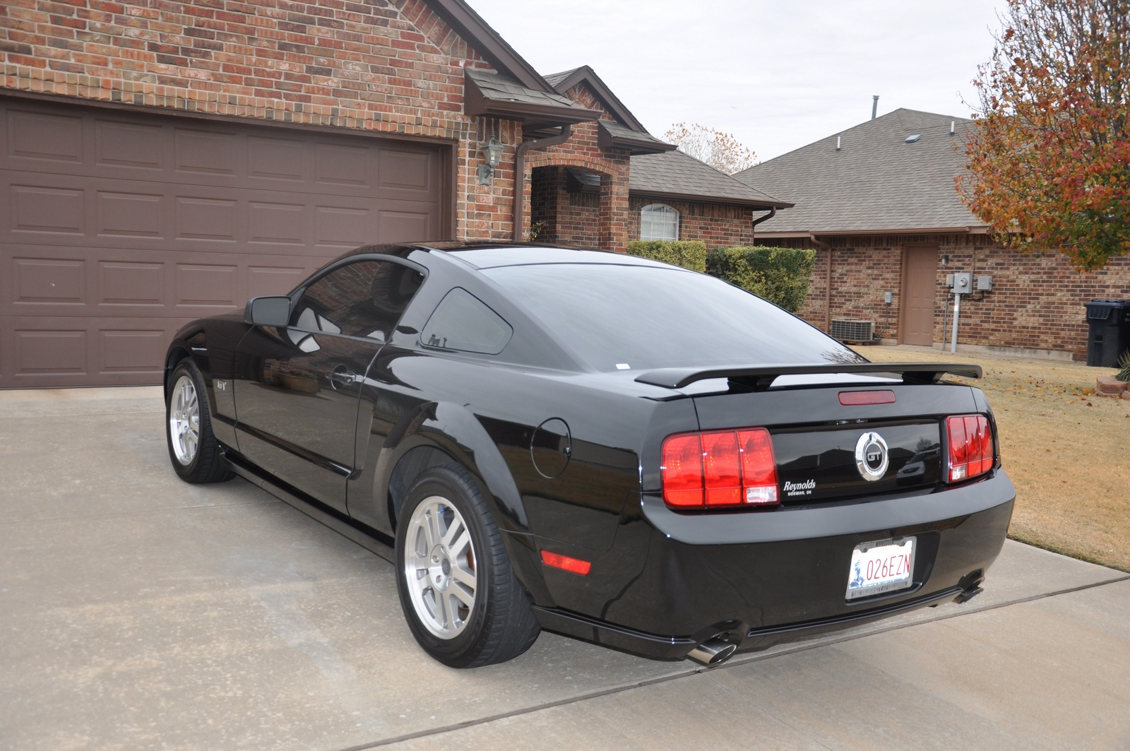 2005 ford mustang trim information cargurus. Black Bedroom Furniture Sets. Home Design Ideas