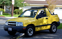 Chevrolet Tracker Base Convertible Pic X