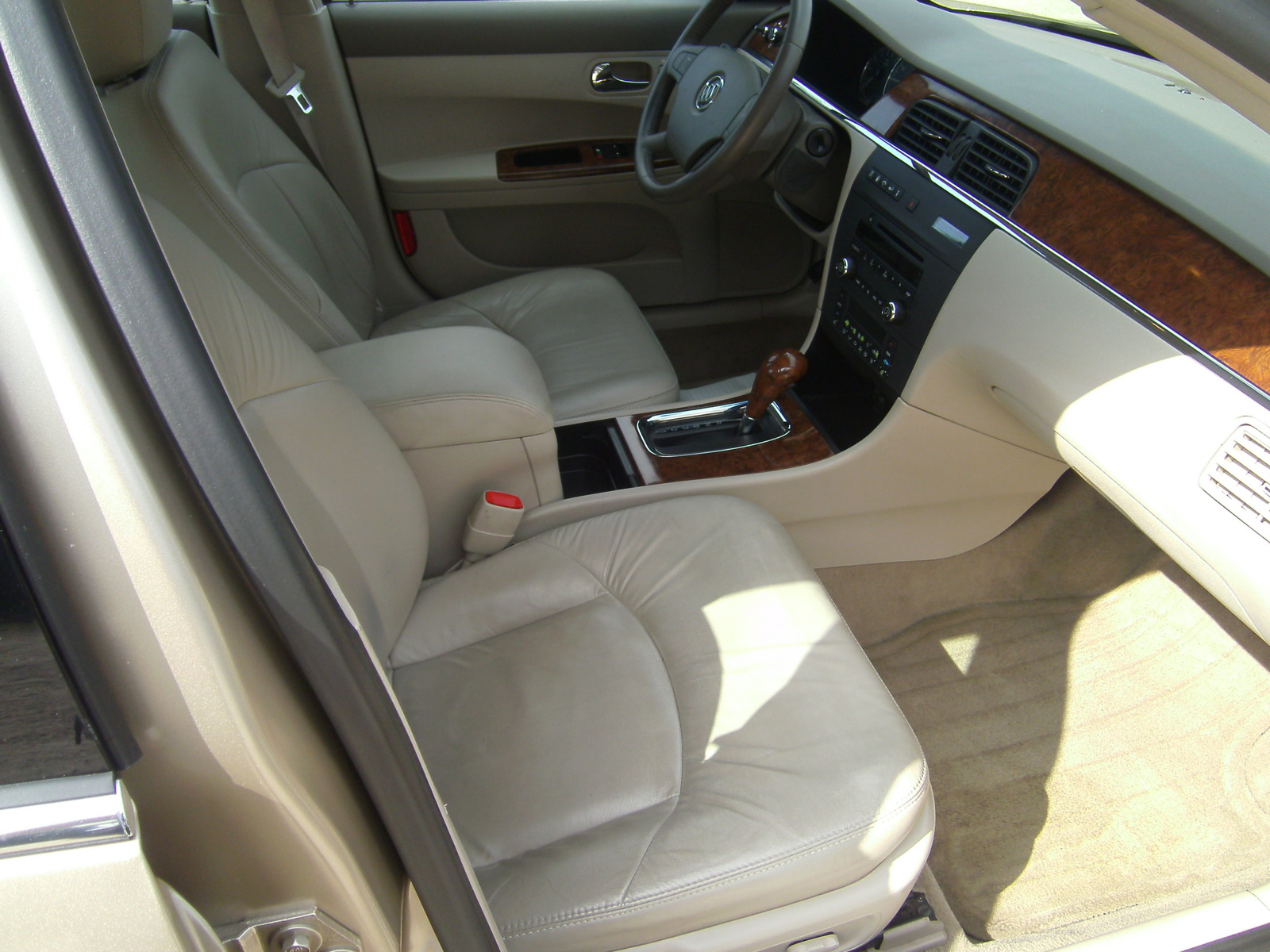 2005 buick lacrosse pictures cargurus. Black Bedroom Furniture Sets. Home Design Ideas