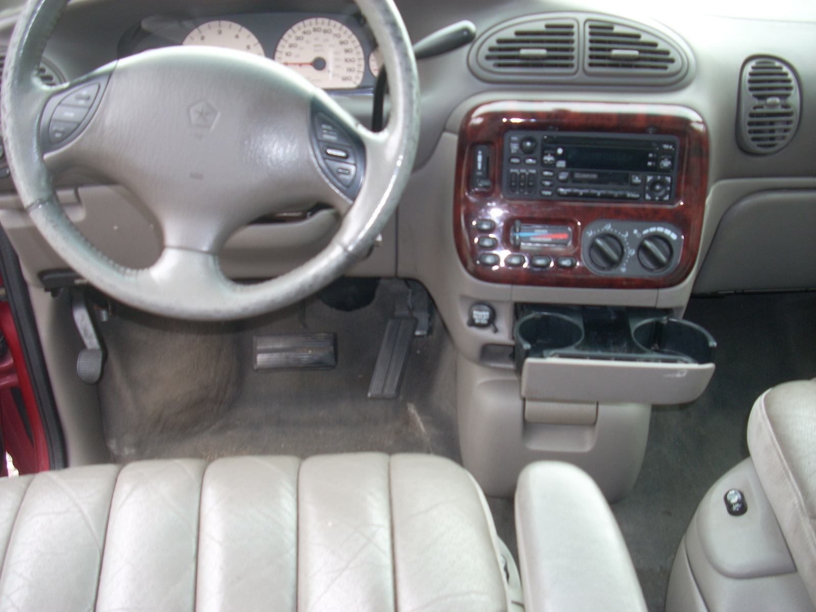 1999 chrysler town country pictures cargurus for 1999 chrysler town and country window problems