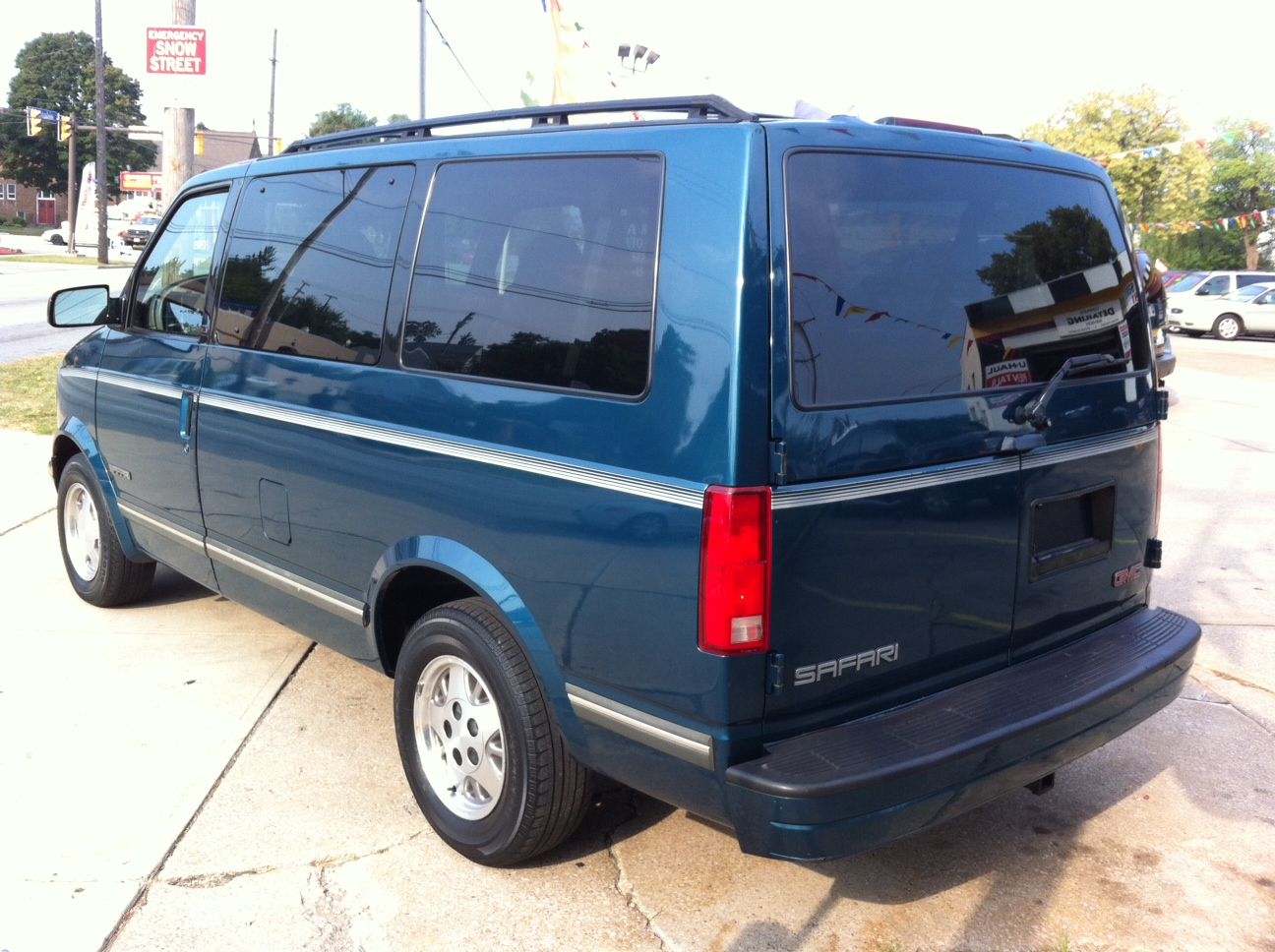 Picture of 1998 GMC Safari 3 Dr SLE Passenger Van Extended