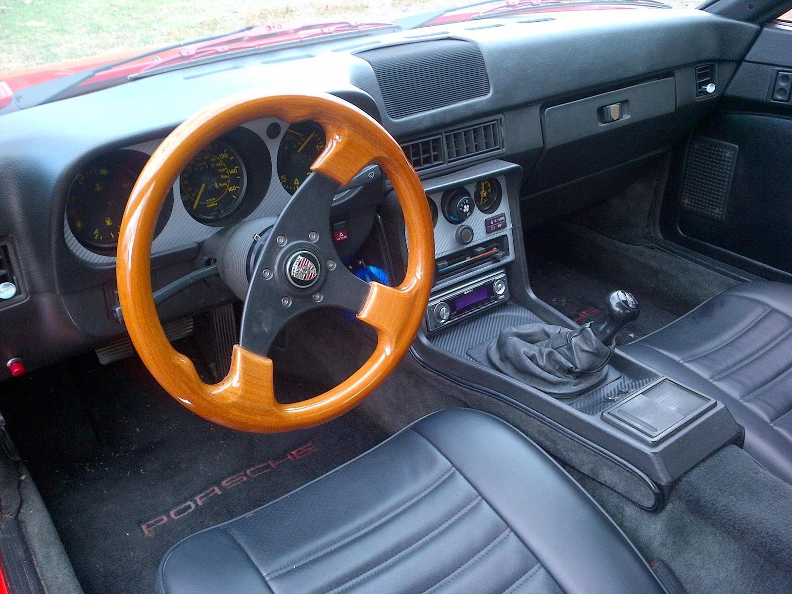 1983 porsche 944 interior pictures cargurus for Porsche 944 interieur