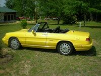 1993 Alfa Romeo Spider Picture Gallery