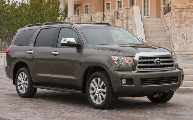 2014 Toyota Sequoia, Front-quarter view, exterior, manufacturer, gallery_worthy
