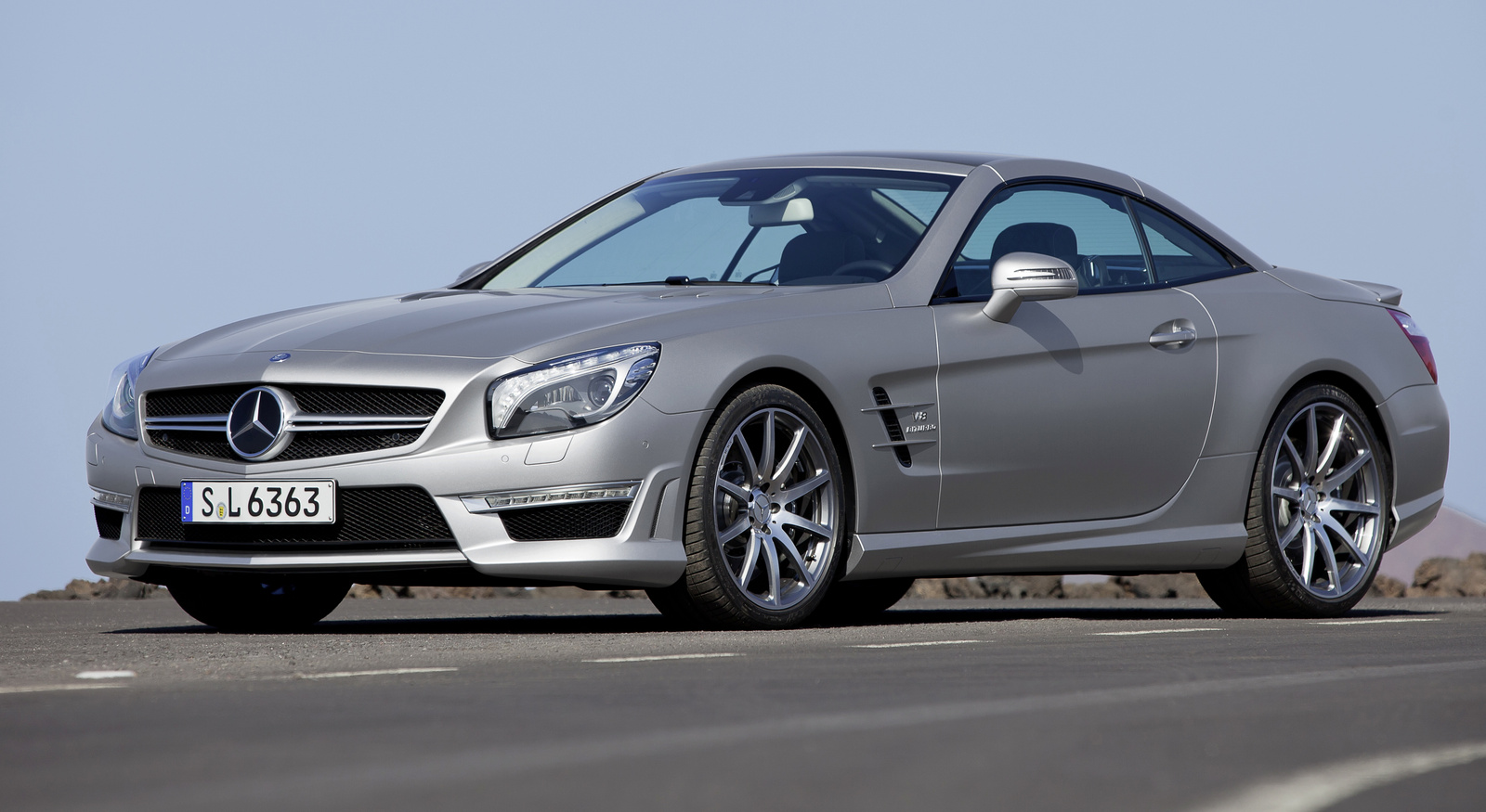 2014 mercedes benz sl class front quarter view exterior. Cars Review. Best American Auto & Cars Review