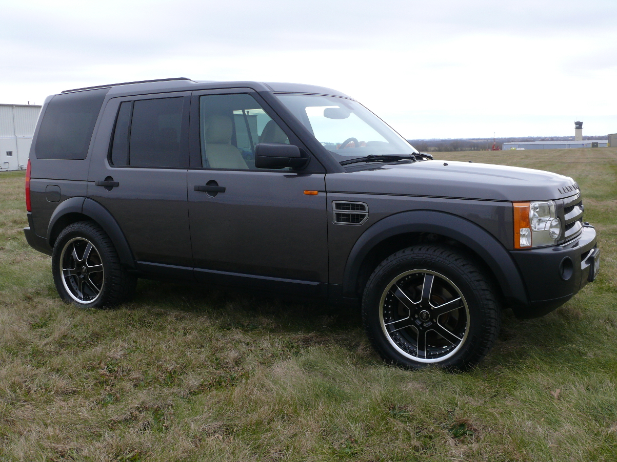 2005 Land Rover LR3 Overview