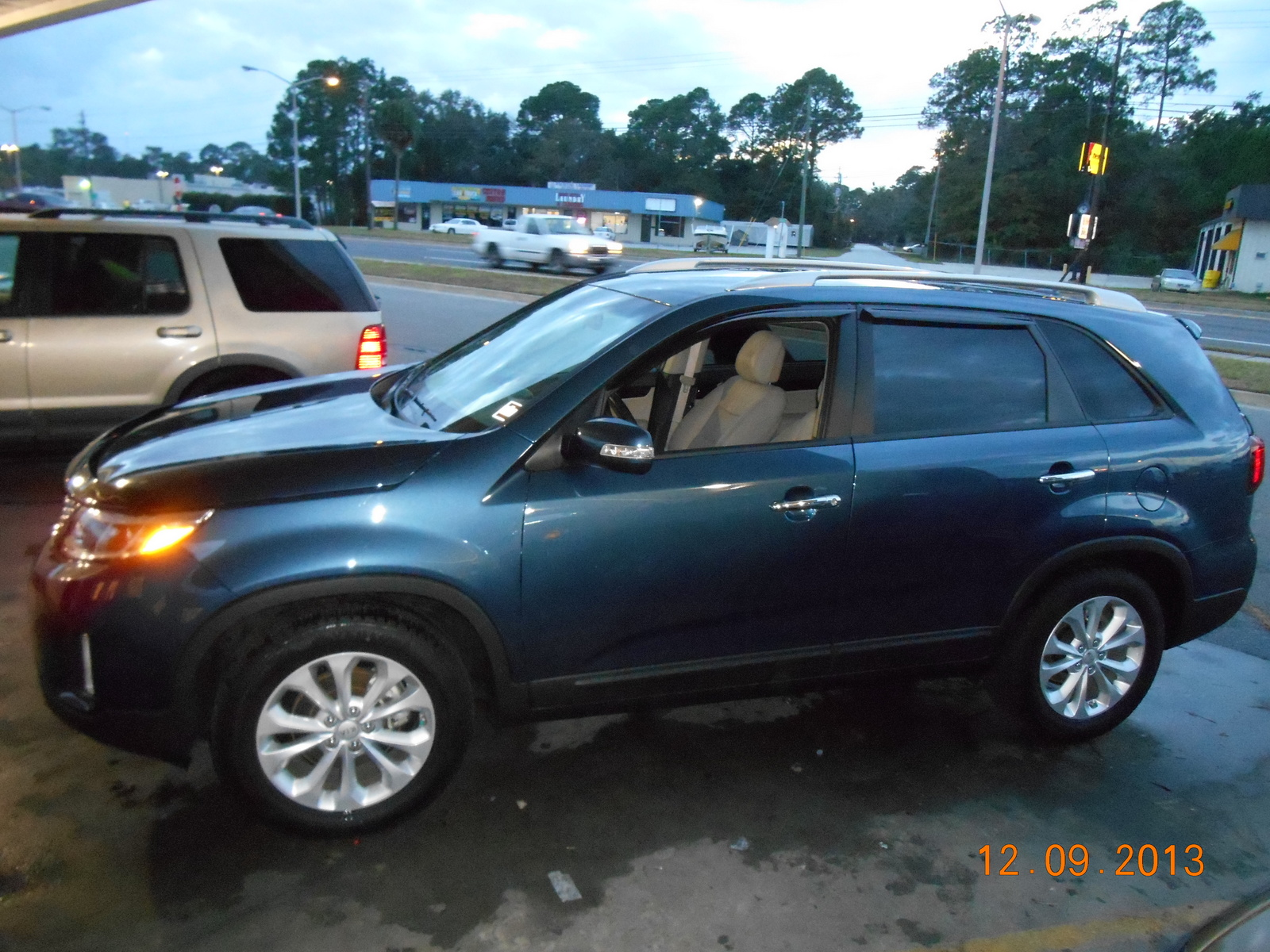 Picture of 2014 Kia Sorento EX
