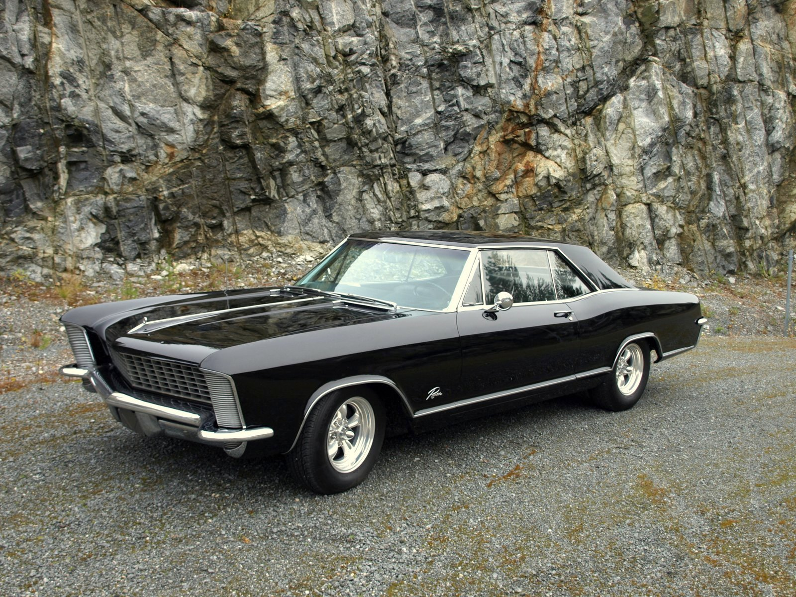 1965 buick riviera gran sport includes a dual quad super wildcat 425 v8 360 hp 268 kw engine a 3 42 axle ratio and stiffer heavy duty suspens