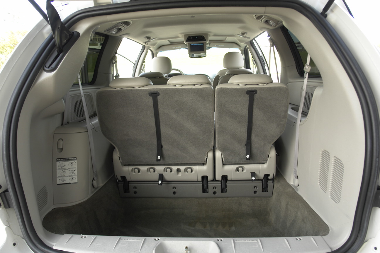 2007 Chrysler Town Country Pictures Cargurus