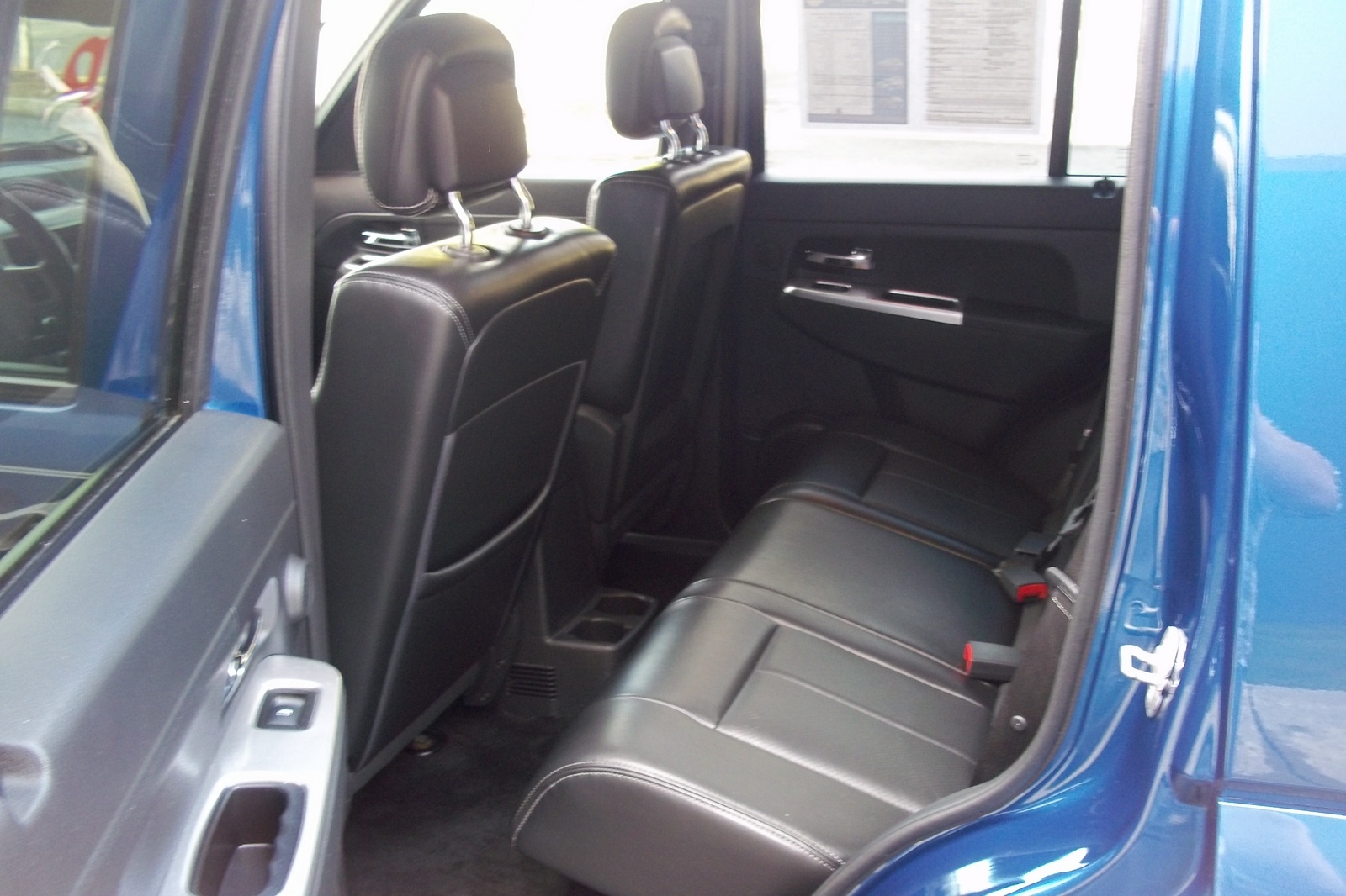 2010 Jeep Liberty Limited picture, interior