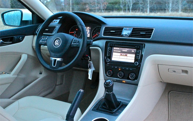 2014 volkswagen passat overview cargurus rh cargurus com Mazda 3 Manual Transmission 5 Speed Manual Transmission