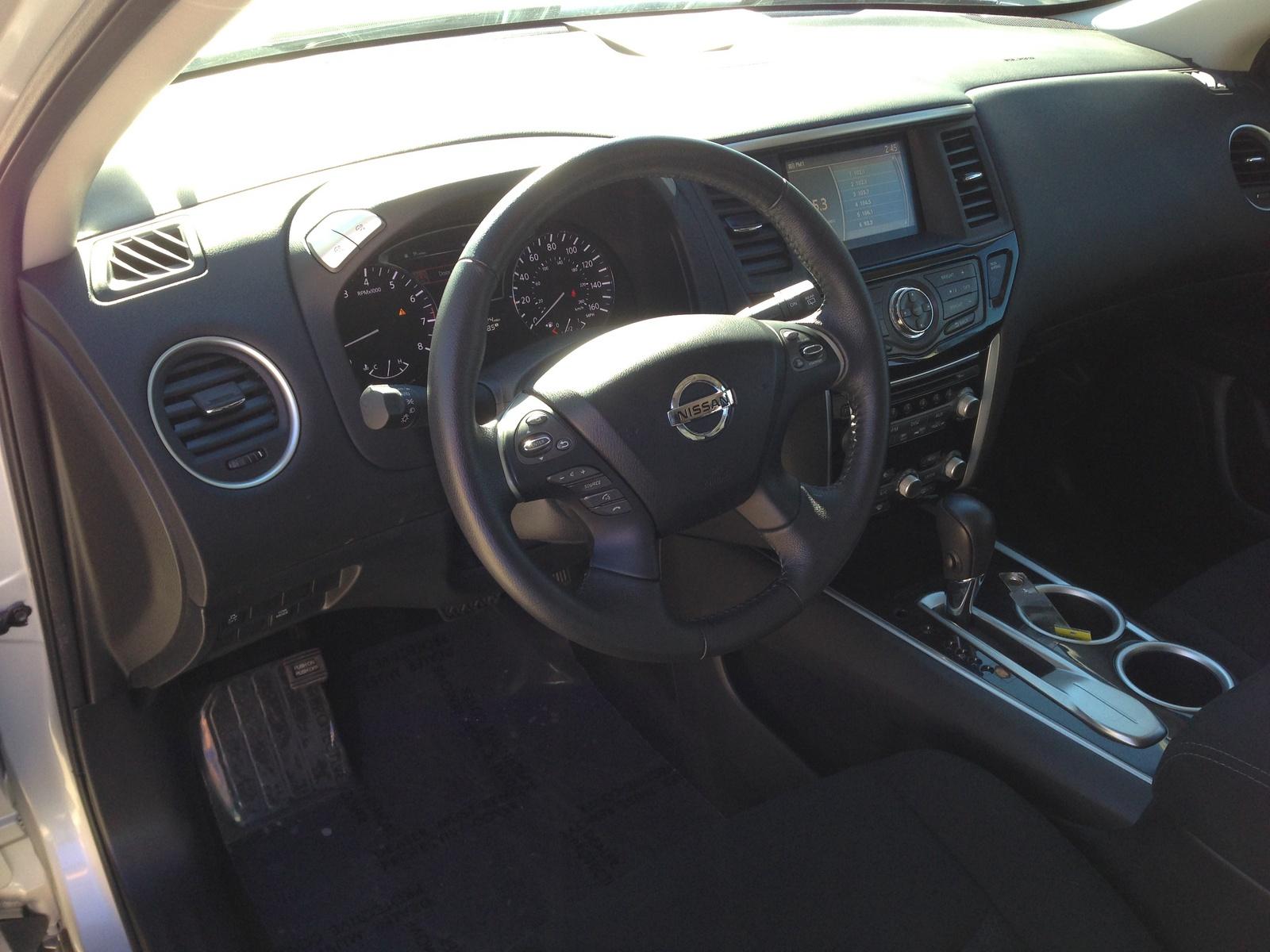 2013 Nissan Pathfinder Interior Pictures Cargurus