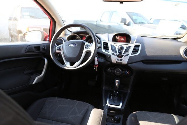 Picture of 2013 Ford Fiesta SE, interior, gallery_worthy