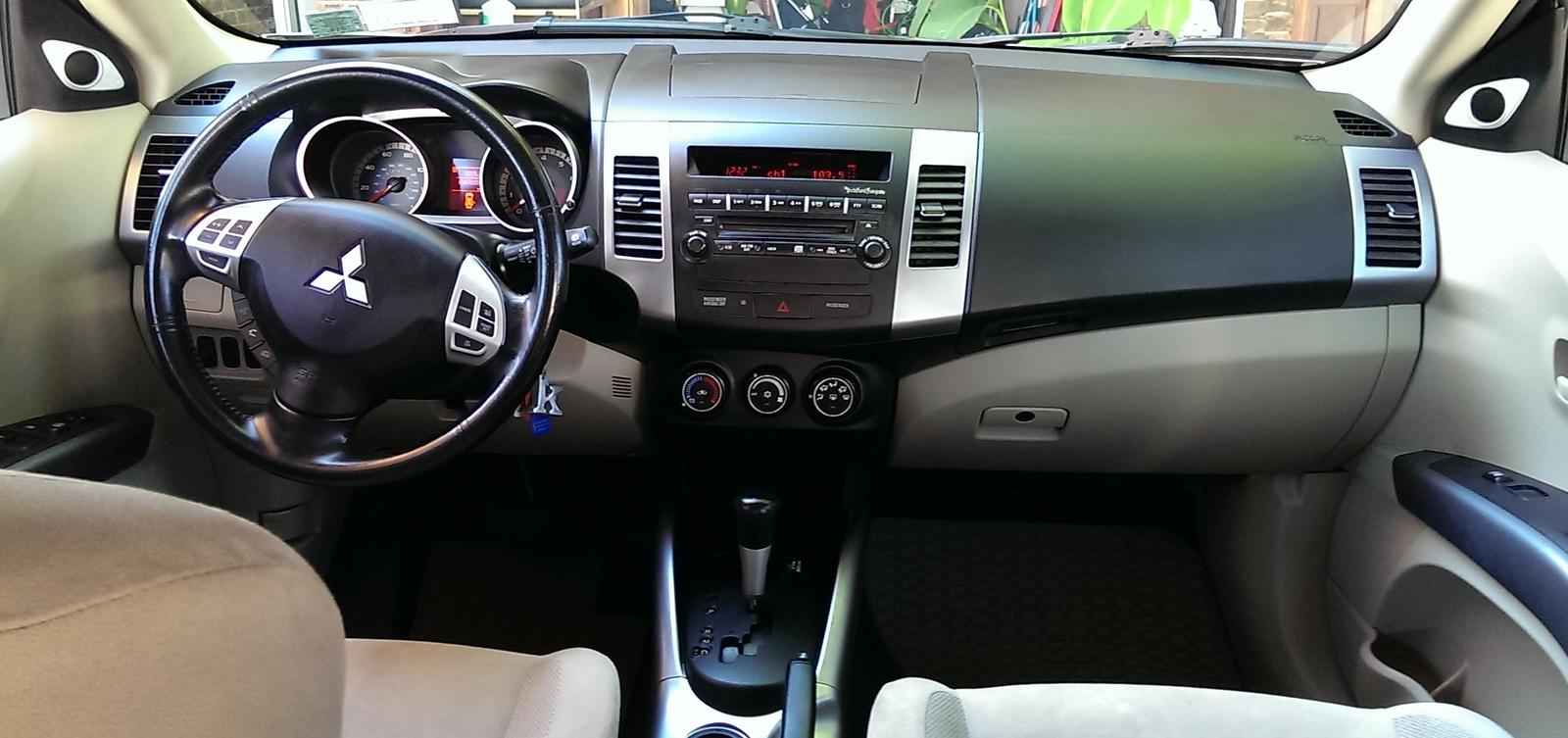 Mitsubishi Outlander Ls Pic