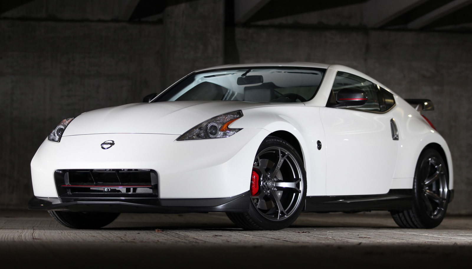 2014 nissan 370z overview cargurus. Black Bedroom Furniture Sets. Home Design Ideas