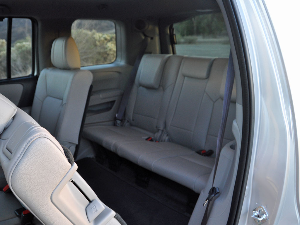 Chevy traverse remove 3rd row seat autos post for Honda pilot 3rd row seat