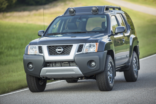 2014 Nissan Xterra, Front-quarter view, exterior, manufacturer, gallery_worthy