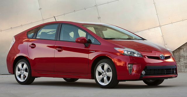 2014 Toyota Prius, Front-quarter view, exterior, manufacturer, gallery_worthy