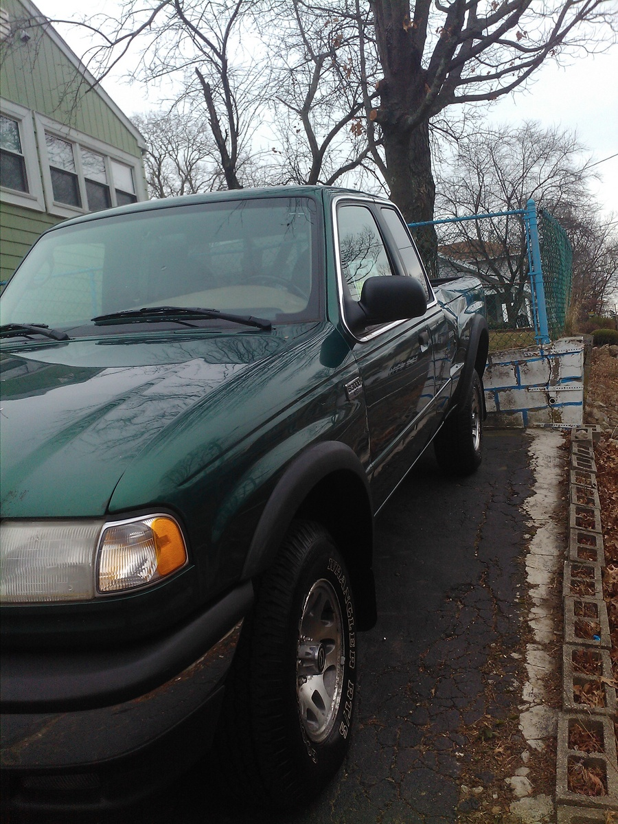 Picture of 2000 Mazda B-Series Pickup B3000 SE 4WD Extended Cab SB