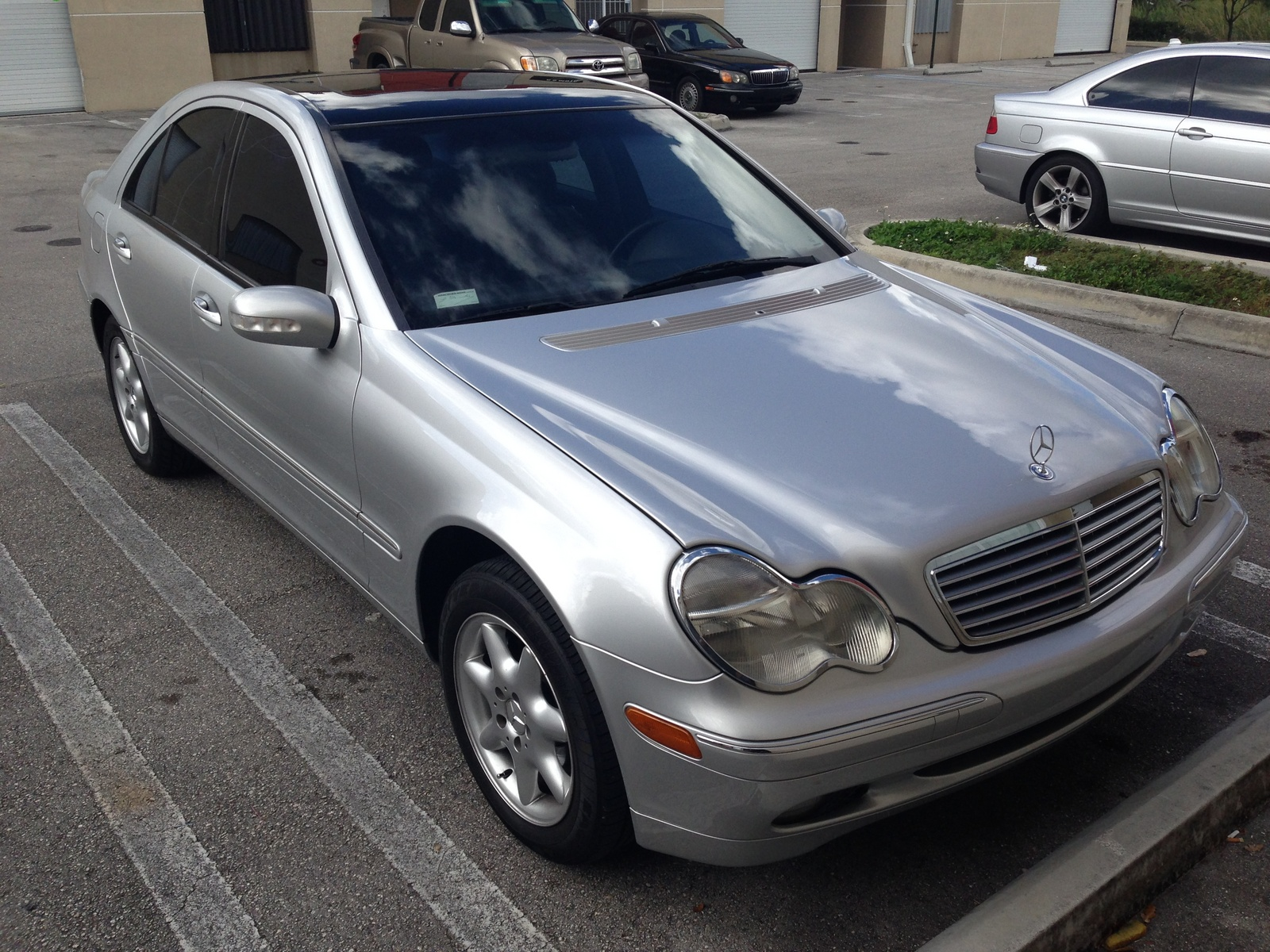 Mercedes Benz C Base Wagon Door L Lgw in addition Mercedes Benz C Amg Dr Supercharged Sedan Pic X additionally Mercedes Benz C Class Sedan C Amg Fq Oem as well D Head Bolt Torque Specs Rentawreck in addition Pic. on 2002 mercedes benz c320 specs