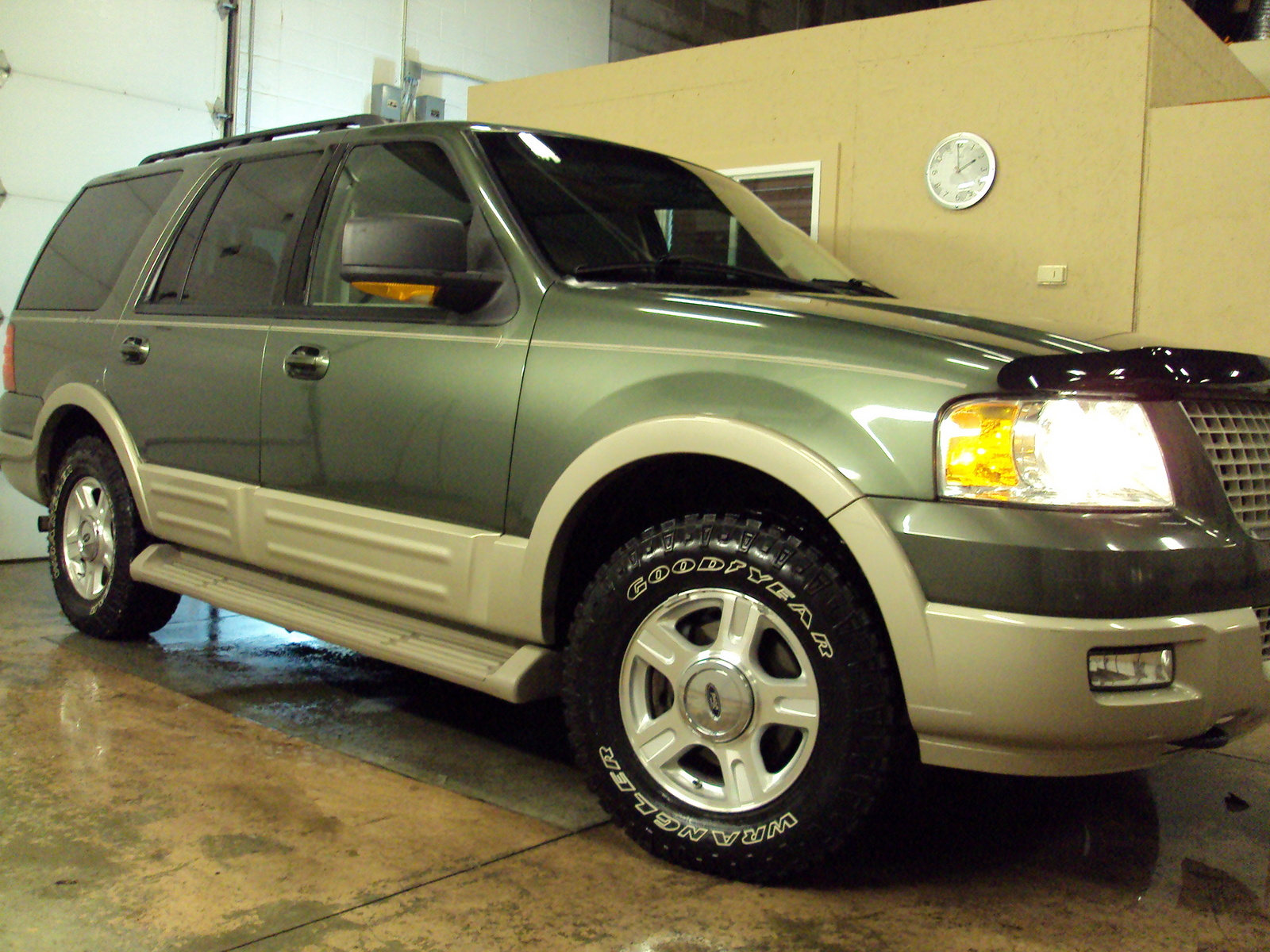 Ford Expedition Eddie Bauer Wd Pic