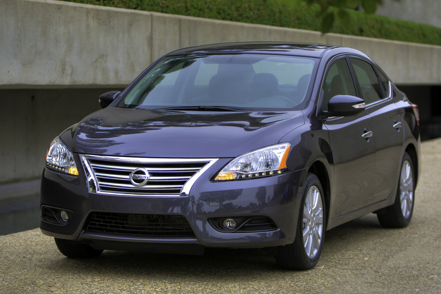 2014 Nissan Sentra, Front-quarter view, exterior, manufacturer, gallery_worthy